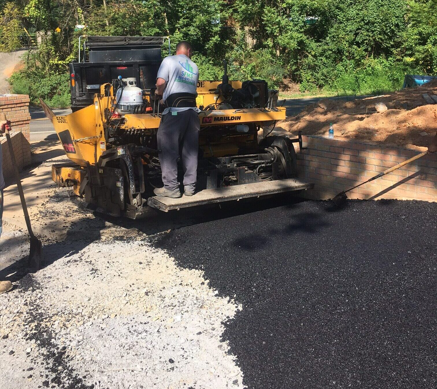 Smoothing Asphalt with Paver 2