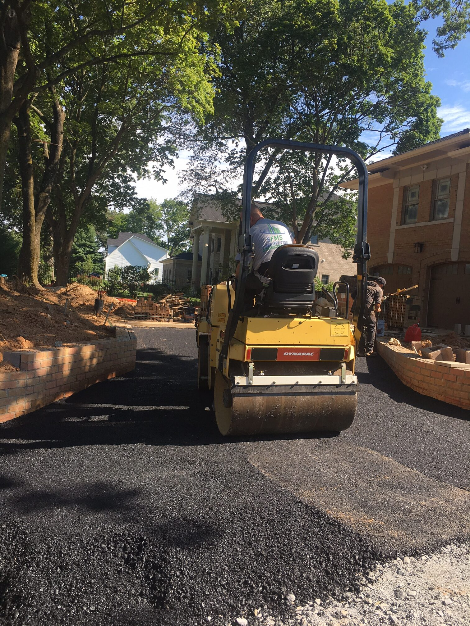 Smoothing Asphalt with Paver